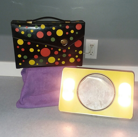 Brytone Other - Mod-Glow Brytone Portable Lamp Makeup Cosmetics